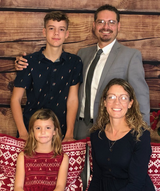 Bernie & Lori Yedor with their children, Damien & Kaitlin